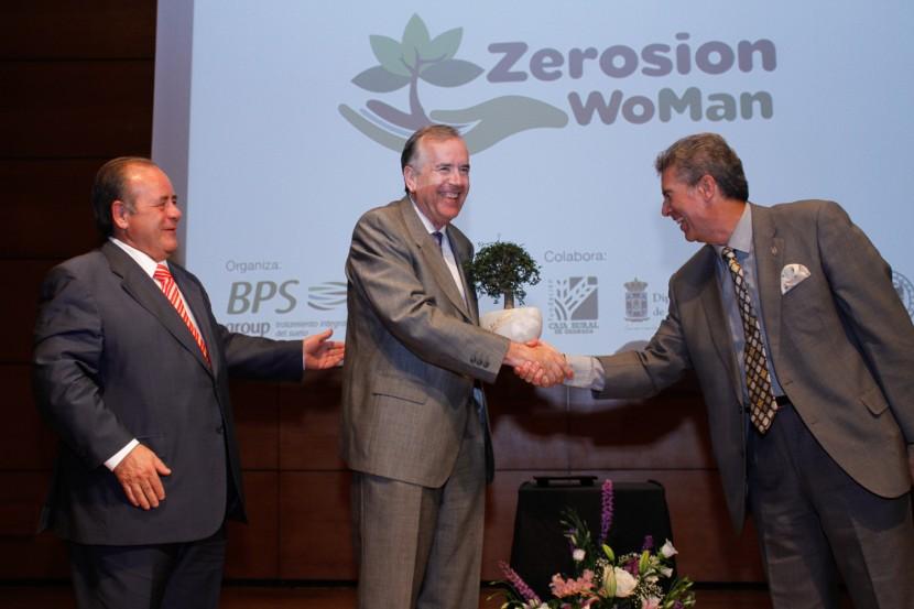 Primera entrega de premios Zerosion WoMan 2014 organixzada por BPS Group, en el salon de actos de Caja Rural en Granada